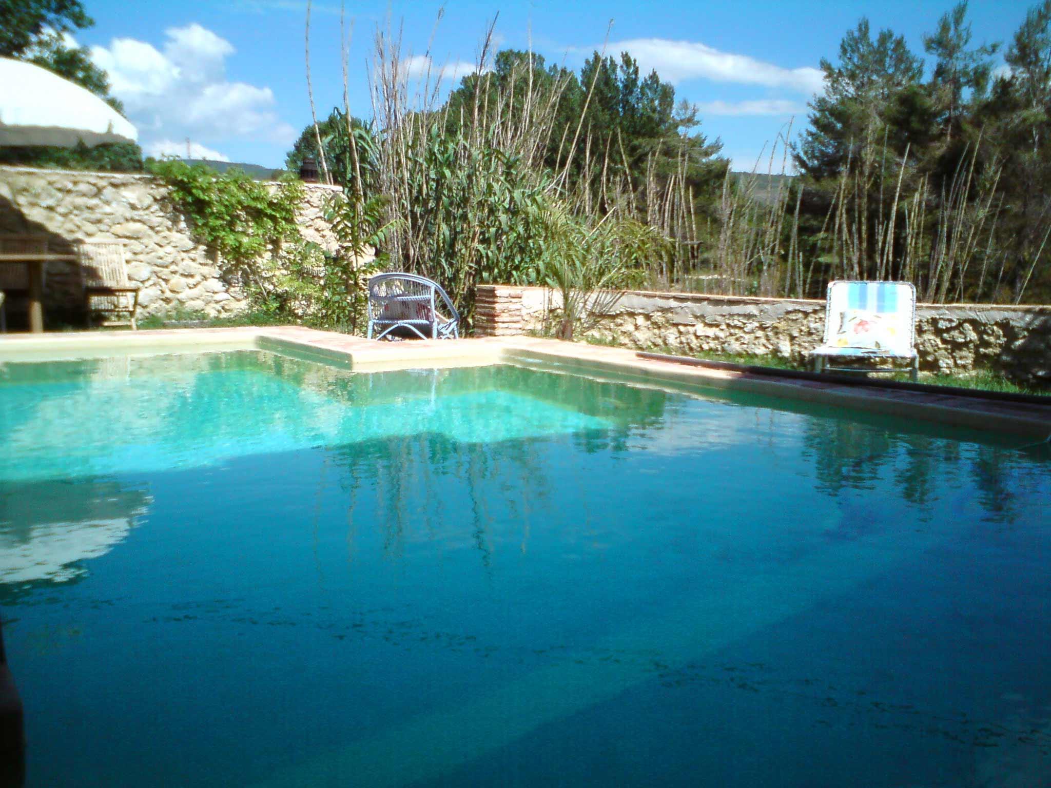 Molino del agua casa rural banyeres de mariola sierra for Casa rural catalunya piscina